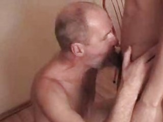 cock loving gay daddie gives fellatio to hot twink
