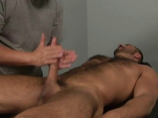muscled gay stud takes his anal tasted on massage