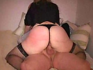 woman rally heavy butt jiggles as she drives