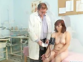 zita mature chick gyno speculum exam at clinic