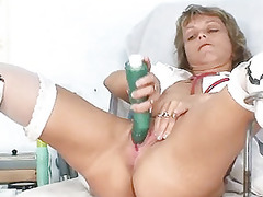 lean milf old medic toys her vagina on gynocha