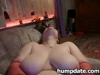 plump babe toying her pussy and licks cock