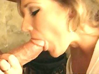 nelly sexx - obtain me juicy mr. plumber