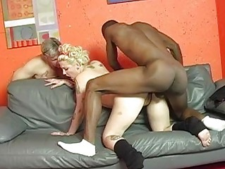 bleached cuckold woman with tattoes takes shagged